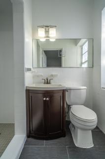 7133 Unit #9 Bathroom