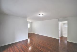 7931 206 Living Room