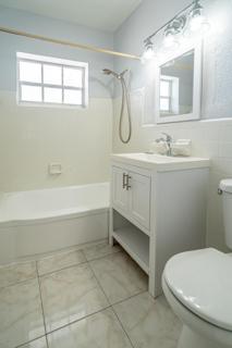 330 #10 Bathroom