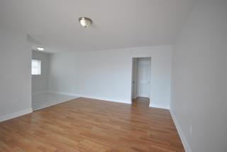 7931 301 Living Room