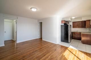 7931 402 Living Room