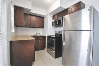 7931 305 Kitchen