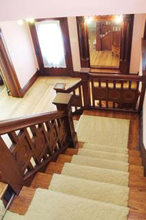 Stair case from 2nd level