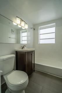 7143 Unit #4 Bathroom