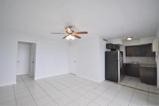 7931 304 Living Room