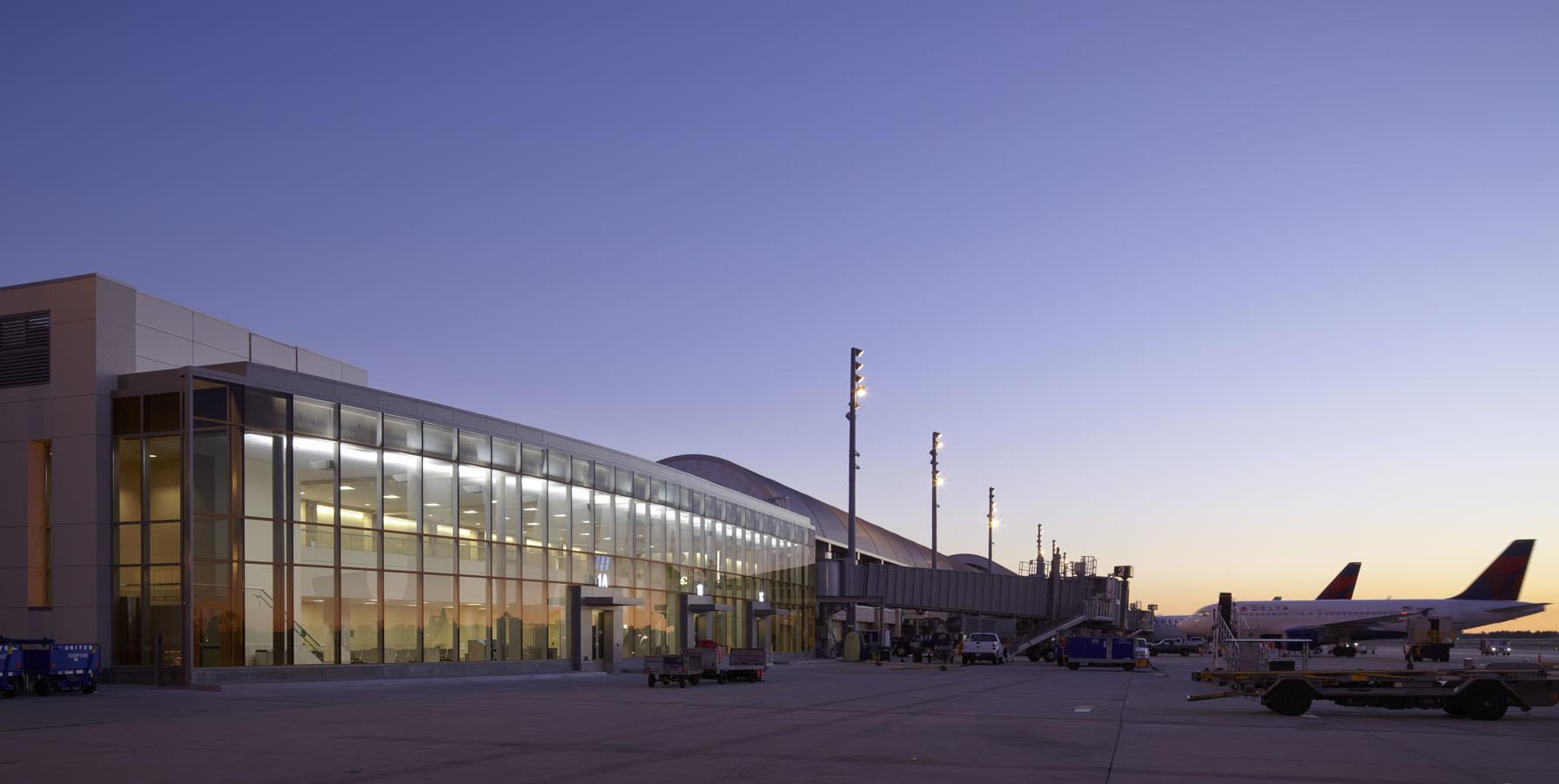 John Wayne Airport Shuttle From Prime Time Shuttle