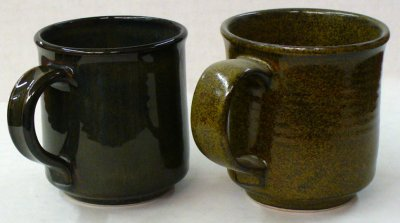 Same high-iron glaze. One crystallizes and the other does not. Why?