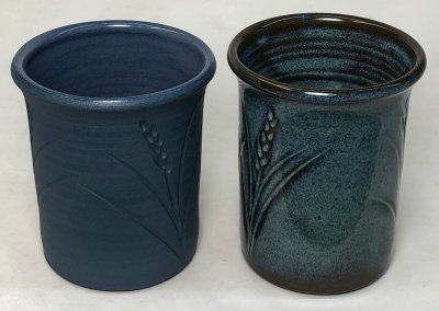A blue burning stoneware body: 3% stain does it