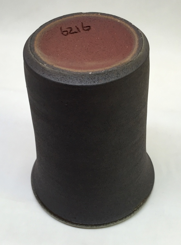 Reduction and oxidation color difference in a cone 10 red fireclay