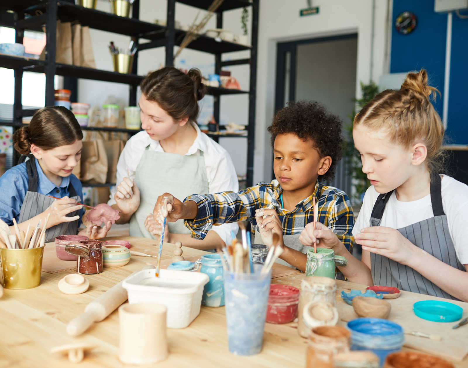 How to give children a good experience in working with clay
