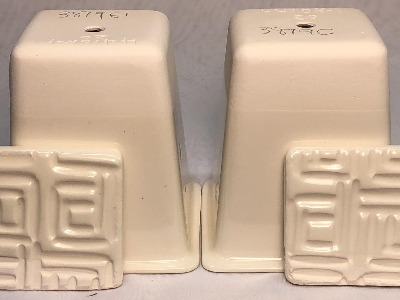 EPK vs NZK in a clear glaze