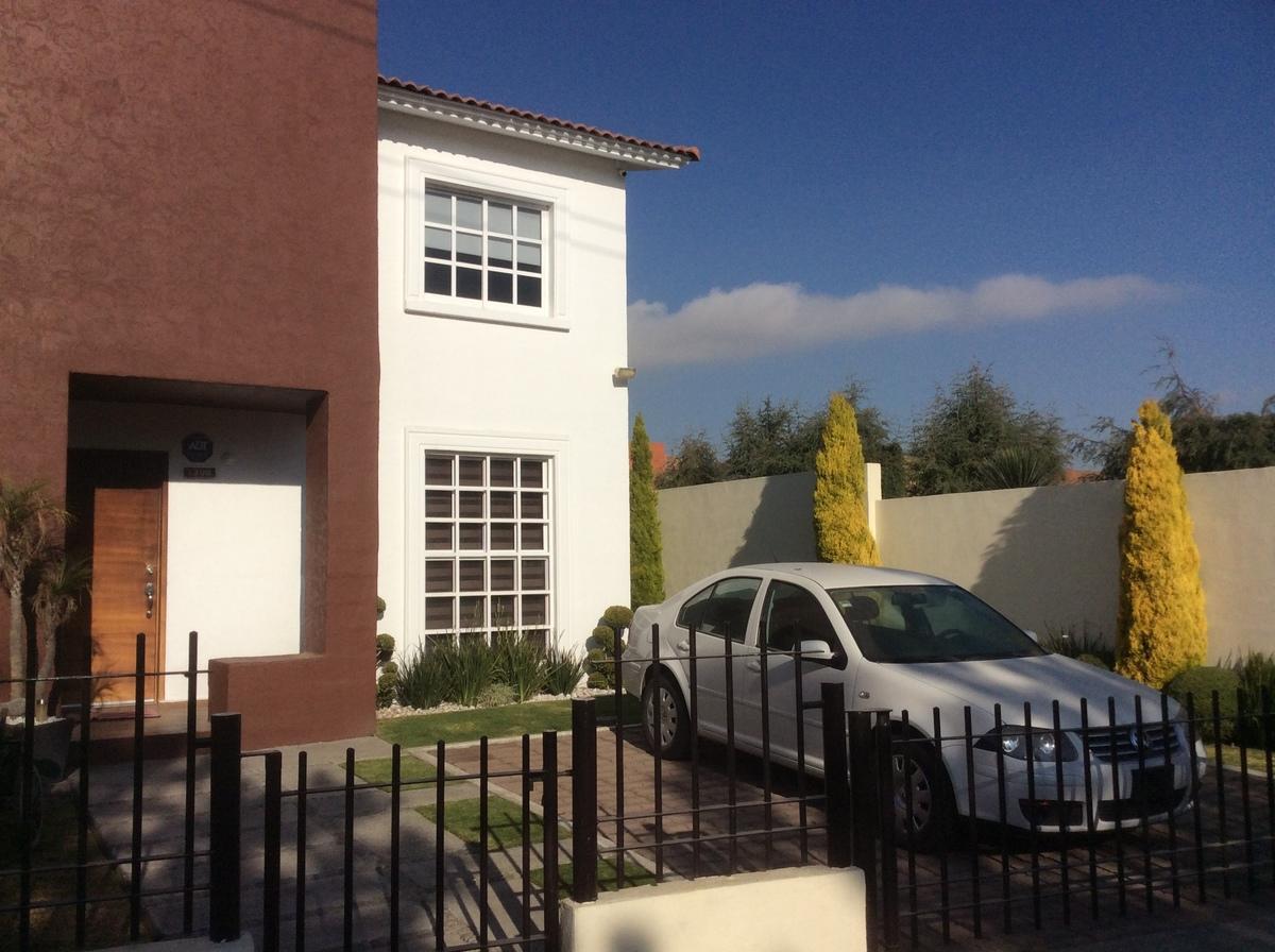 Renta de casa en villas del campo calimaya goplaceit for Villas del campo