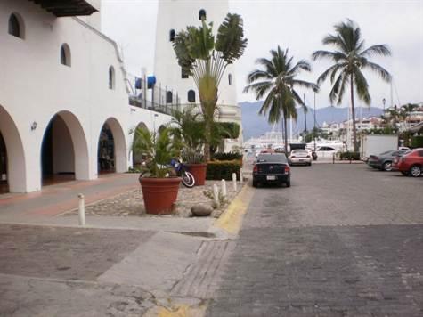 Local en Venta en Marina Vallarta, Puerto Vallarta