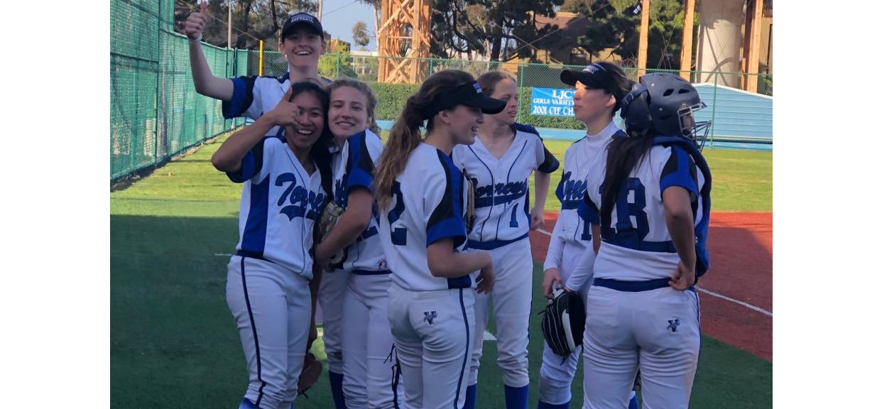 Five RBI Day For Paige Bilski Brings In Win For La Jolla Country Day Torreys Varsity Over Classical Academy