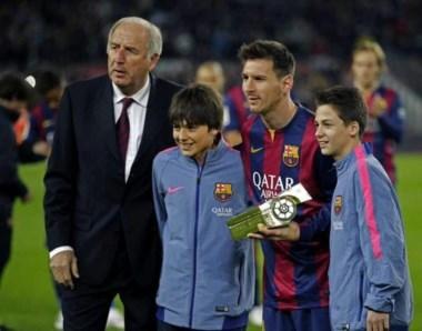 Messi recibió el trofeo de máximo goleador de la historia de la Liga española.