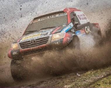 Nazareno López logró ingresar entre los mejores quince pilotos de  la octava etapa del Dakar en autos.