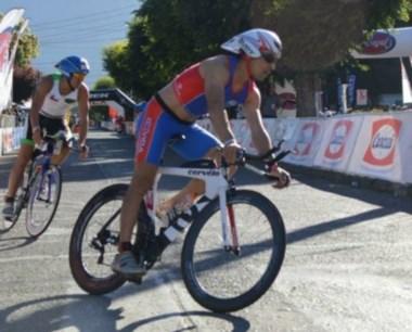 En el ciclismo, que consta de 90 kms, Ibarra hizo un tiempo de 2h 36m.