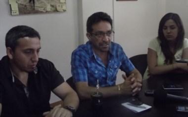 Iván Fernández junto a Yesica Robles, de Turismo municipal y Daniel Brandt, director de Gobierno.