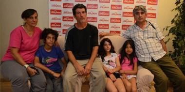Sin casa y sin tierra. La familia Masci sufrió el incendio de su vivienda y ahora no puede acceder al terreno.