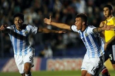 Simeone y Compagnucci festejan el empate agónico. (Foto: Cancha llena).