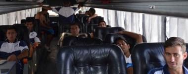 El plantel browniano a poco de partir hacia Bahía Blanca y de allí a Buenos Aires. Se vienen los amistosos antes de empezar el certamen oficial.