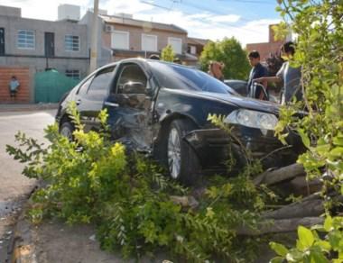 En Mitre y Piedrabuena, el impacto provocó que hubiera lesionados.