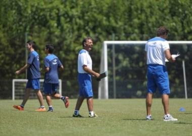 Russo asumió en Vélez y tiró un palo por el partido repechaje con Boca.