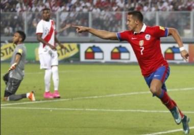Chile se impuso en un duelo cargado de goles con un doblete de Sánchez..