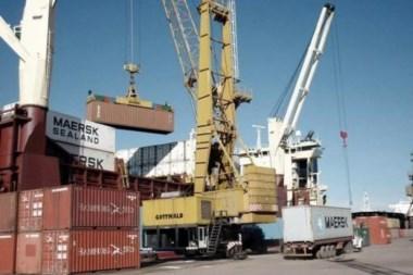 Menos containers en el característico movimiento portuario.