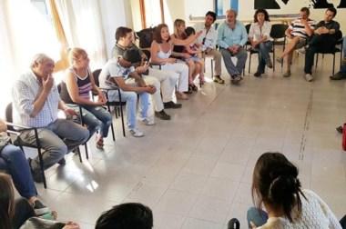 Cumbre. Una postal de la reunión de los militantes con los referentes del FPV en la cordillera del Chubut.