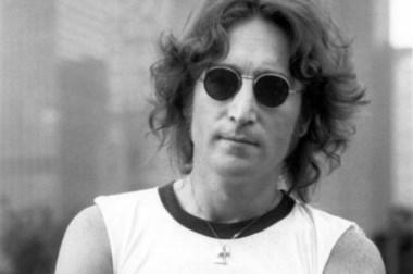 """Querido John. Una guitarra """"perdida"""" reaparece para beneficio de algunos."""