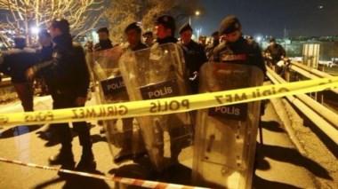 Atentado con bomba casera en metro de Estambul. Al menos 1 muerto y 5 heridos.