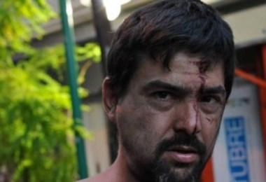 Hombres y mujeres fueron golpeados y detenidos por la orden de desalojo.