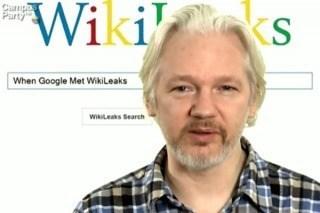 Assange, un enemigo declarado para los Estados Unidos, bajo delicada protección.