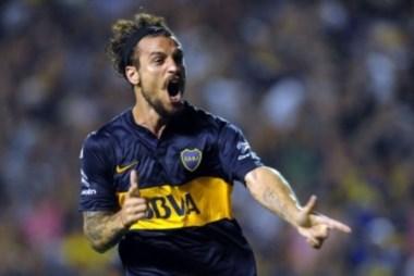 El delantero volverá a vestir la camiseta de Boca Juniors durante el 2016.