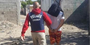 Al menos seis personas fueron detenidas durante los operativos simultáneos de ayer en Chubut y Buenos Aires.