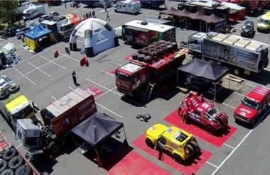 La previa. Los equipos del Dakar comienzan a prepararse para iniciar una nueva edición de la competencia.