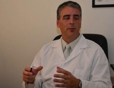 Prevención. Suárez invitó a los pacientes diabéticos a controlarse.