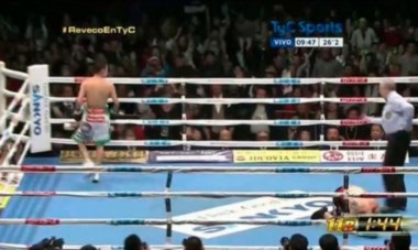 La pelea era pareja pero el local había conectado los mejores golpes y en el undécimo round liquidó el pleito.