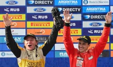 Omar Kovacevich junto a su sobrino Jorge Kovacevich, que lo acompañó en la navegación en las últimas fechas. Lograron el segundo título.