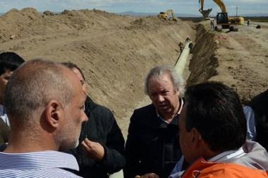 Buzzi y Peralta. Los gobernadores acordaron trabajar en conjunto para dar una solución para el agua.