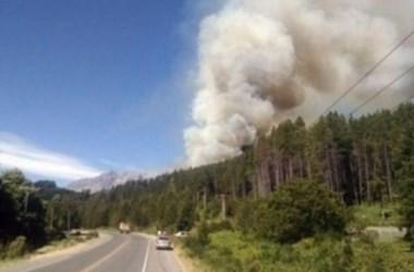 Se reavivaron las llamas luego de incendios devastadores. (foto: Archivo).