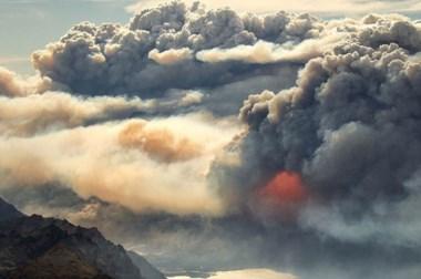 Defensa Civil del Chubut coordina acciones para combatir los incendios. (Pablo Wegrzyn/danbat.net)