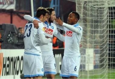 Buena actuación de Higuaín, quien convirtió un tanto en la goleada del Napoli en Turquía.