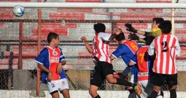Racing de Trelew, por la Zona 1, superó a Del Valle de Necochea en el estadio