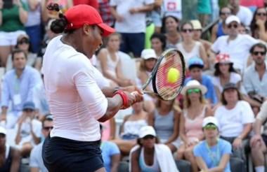 Una postal de esta tarde en Pilará. Serena tuvo mucho trabajo en el primer set.
