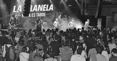 """La Franela fue la encargada de cerrar el concurso federal de bandas denominado """"Maravillosa Música""""."""