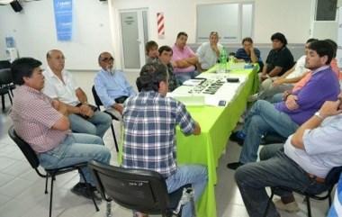 En Chubut Deportes se reunieron dirigentes de los clubes provinciales para acordar las fechas.