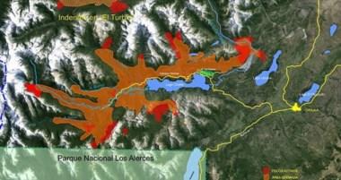 Panorama. En rojo, los focos que siguen activos; en naranja, el área boscosa que ya se quemó.
