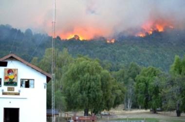Es el tercer incendio en pocos días en el lugar. (Foto Mery González)